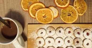 linecké cukroví bez mléka a vajec