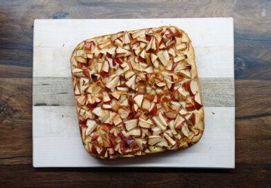 Rychlá veganská jablečná buchta